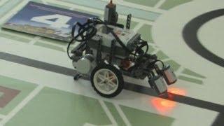 Школьники соревнуются в создании роботов
