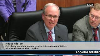"""MN Considers Restricting Cell Phone Use To """"Hands Free"""" While Driving"""