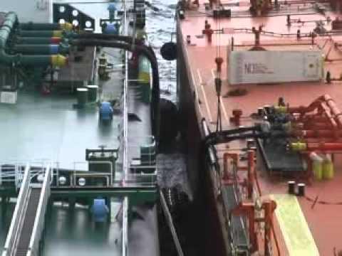MOVIE0001 VLCC BW ULAN offshore Galveston, Tx on 14 19 December 2007 xvid xvid