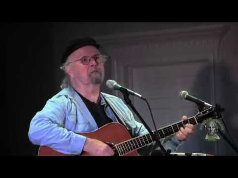 Tom Paxton sings The Bravest tribute to 9/11 Firemen