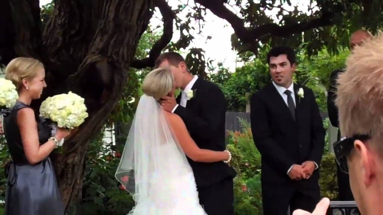 Tayra & Travis\'s Wedding - You may now kiss the bride! - YouTube