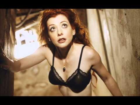 Alyson Hannigan Sexy Hot