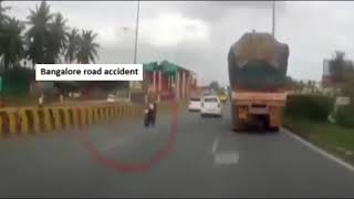 Bangalore highway road accident - Lucky Child - 19.8.2018