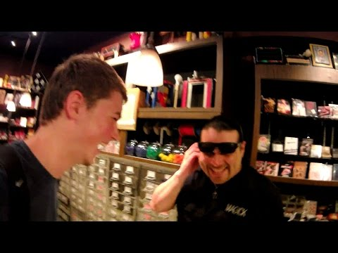 Magic in the oldest Magic Store (New York)