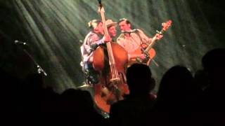 The Avett Brothers - Pretty Girl From Annapolis (When Doves Cry interlude) - Chicago Theater - 4/21
