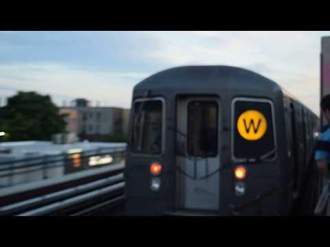 Manhattan-bound R68A (W) train leaving Broadway (BMT Astoria Line)