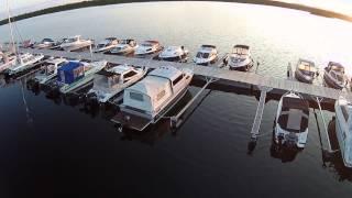 Стоянка для катеров длиной до 9 метров / Mooring for boats of up to 9 mtrs in length