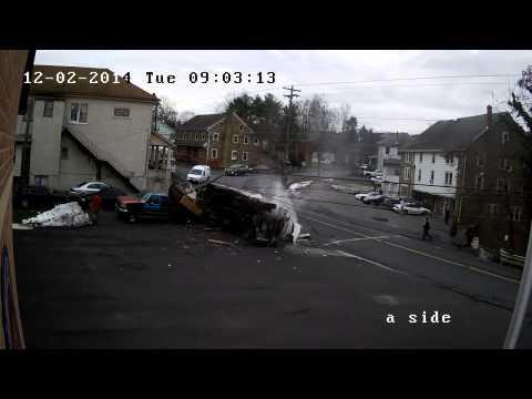Truck Roll Over @ Rt 412 & Flint Hill Road, Hellertown PA