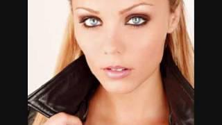 Repeat youtube video Laura Vandervoort SEXY