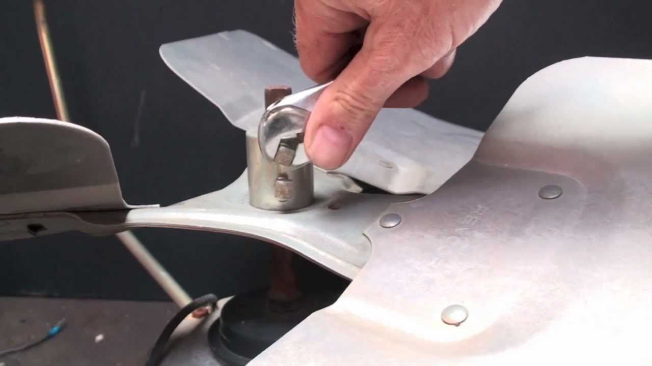 How To Pull A Condenser Fan Blade Youtube