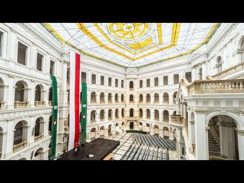 VLOG #20 - EXPLORING WARSAW WITH URBANENTDECKER ARCHITECTURE PHOTOGRAPHER.