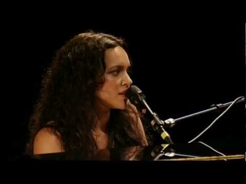 Norah Jones Live Cover of Gram Parsons'