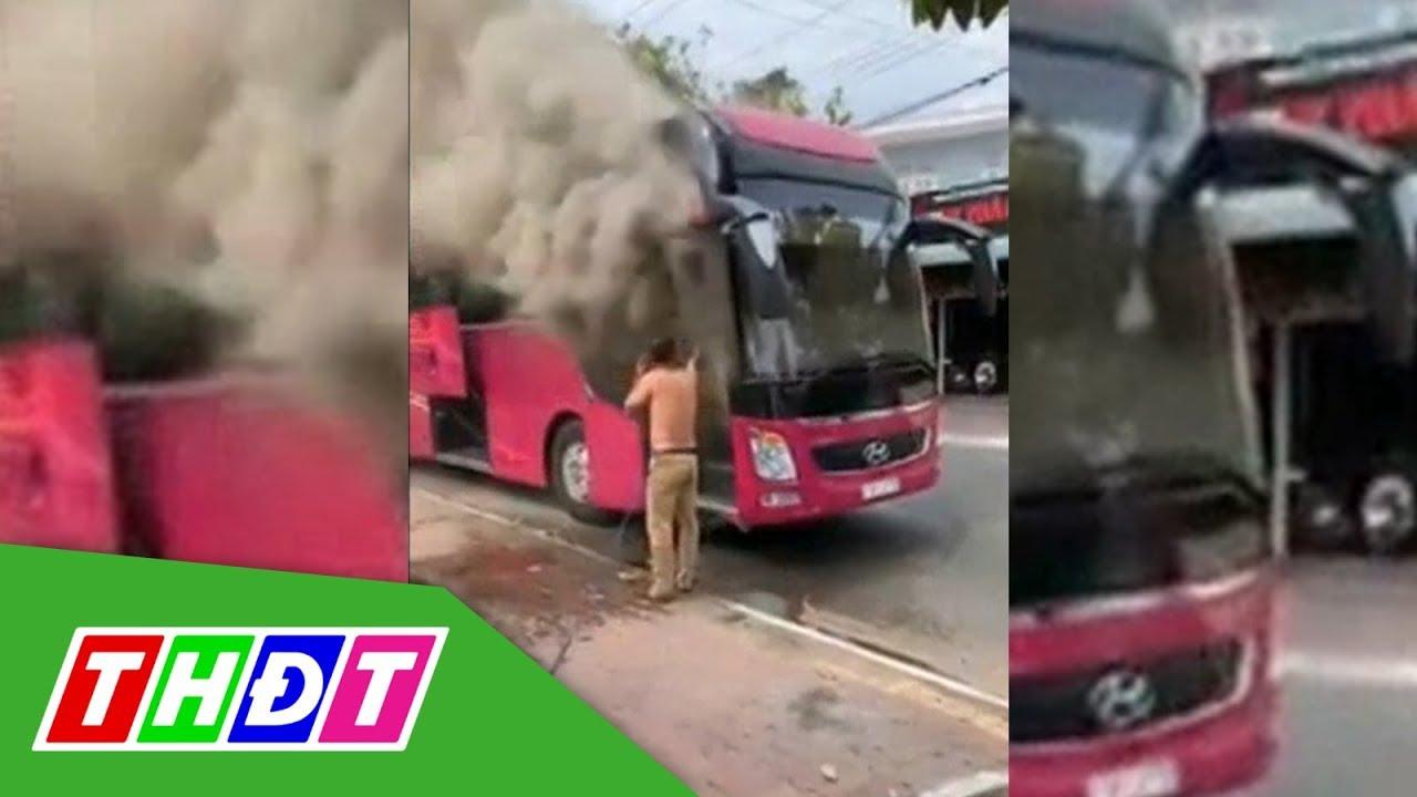 Thắp nhang cúng đầu năm, xe khách mới mua cháy rụi | THDT