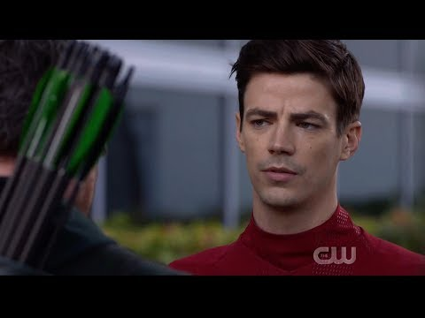 Crisis On Infinite Earths Hour One   Barry Tells Oliver He Dies In Crisis