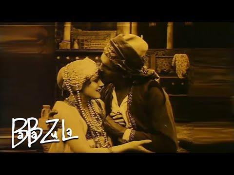 Клип Baba Zula - Bir Sana Bir de Bana
