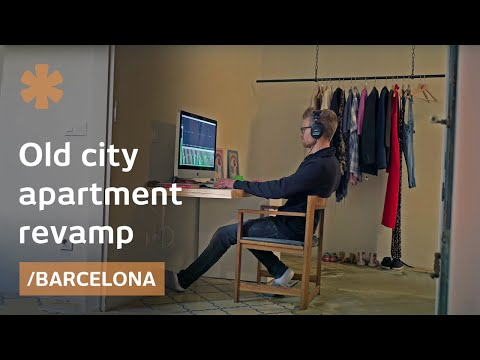 House of moving doors in Barcelona adapts to family use