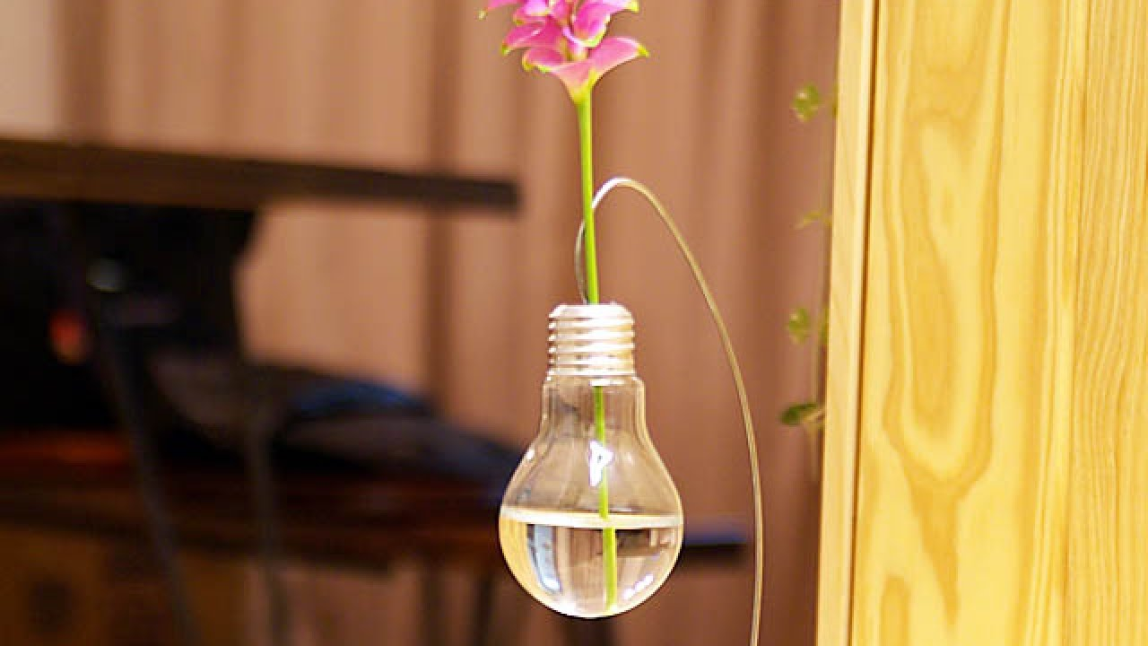Make a cute light bulb vase for a single flower diy home make a cute light bulb vase for a single flower diy home guidecentral youtube reviewsmspy