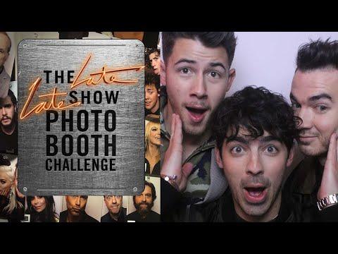Three-Second Photo Booth Challenge w Jonas Brothers