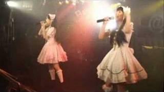 インタビュー記事はこちらから→ http://www.cyzo.com/2008/10/post_1087...