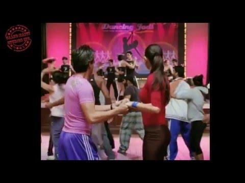 Anushka Sharma cute tight butt in RNBJ