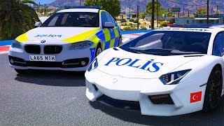 Örümcek Adam Türk ve Yabancı Polis Arabalar ile Uçma Parkurunda