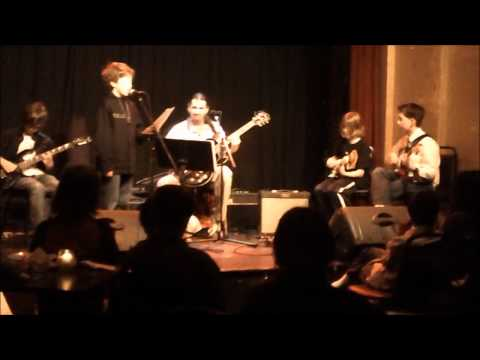 Dynamite Peformance At The Jewel Box Theater