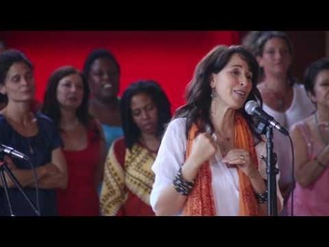 Golden Bridge Choir Concert with Maggie Wheeler A*Light Picture