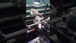 Шлифовальное приспослбление для токарного станка.(10)