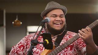 Josh Tatofi - Henehene Kou Aka (HI Sessions Live Music Video)