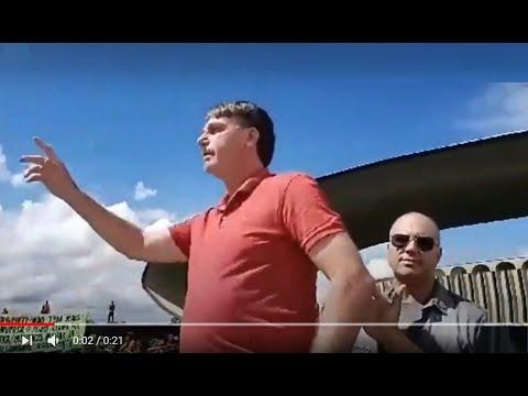 Президент Бразилии болсонару на митинге против карантина по коронавирусу
