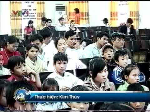 Amway Vietnam taitro 3ti dong cho tre em ngheo Thanhhoa VTV1 10 11