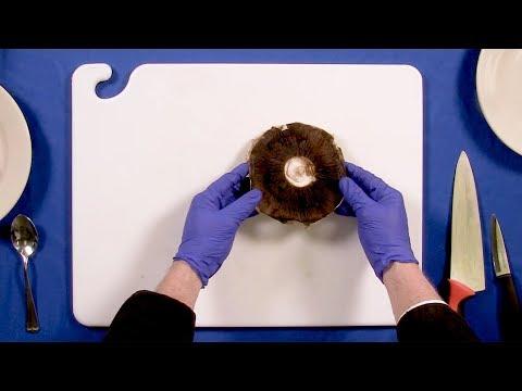 Cleaning and Slicing Portobello Mushrooms