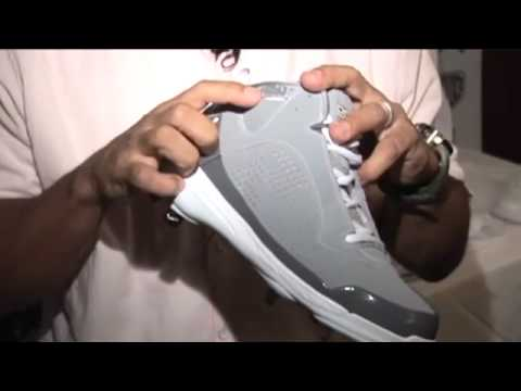 4c88b000f616 Sneaker Release  Derek Jeter s Jordan Jeter Throwback All-Star Exclusive -  YouTube