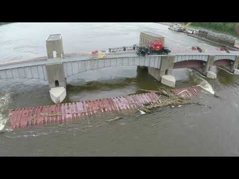 Sunken Barges at Mississippi Lock & Dam no. 11