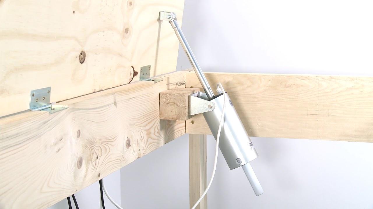 bodenluke kellerluke elektrisch ffnen mit spindelantrieb d31 300mm scharniere auf der. Black Bedroom Furniture Sets. Home Design Ideas