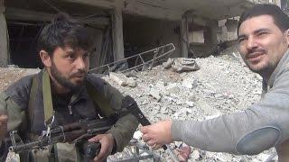 مراسل #أخبار_الآن جواد العربيني يتعرض للقصف اثناء تغطيته معارك #دمشق