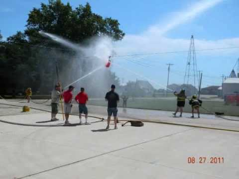 Oran Waterball Fights 2011.wmv