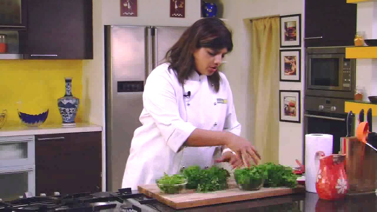 how to store coriander and mint leaves sanjeev kapoor khazana youtube. Black Bedroom Furniture Sets. Home Design Ideas