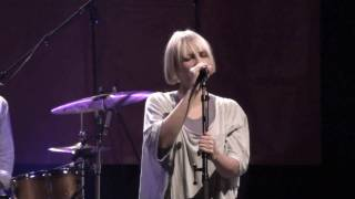 Sia - I go to sleep (Live at Bataclan Cafe, Paris)
