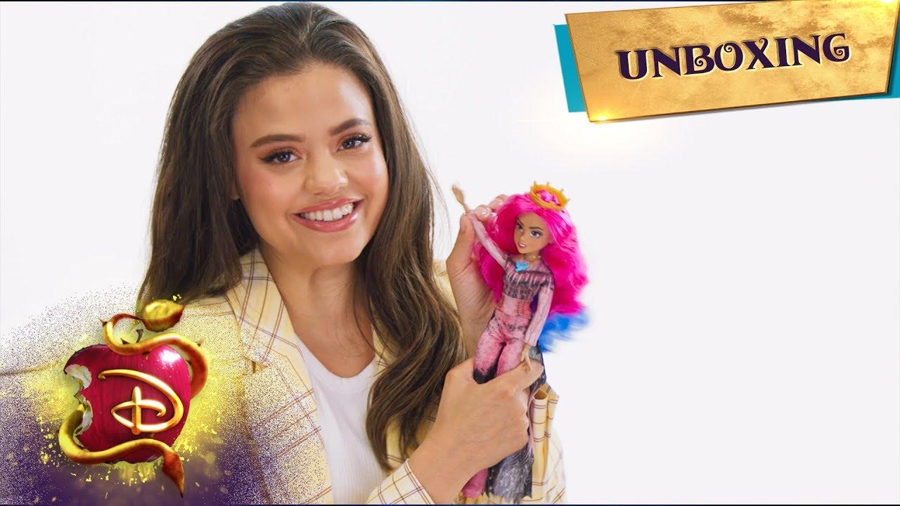 The Audrey Doll Unboxing With Sarah Jeffery Descendants 3