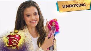 The Audrey Doll! 👑 | Unboxing with Sarah Jeffery📦 | Descendants 3