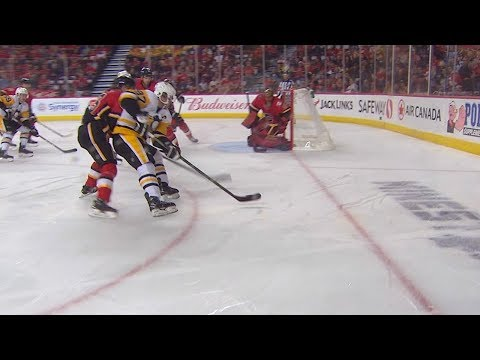 Sidney Crosby roofs backhand past Smith from impossible angle