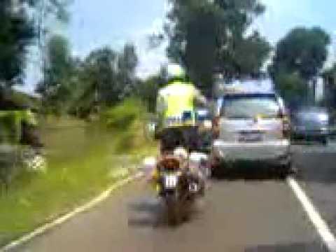 Video Aksi Akrobat Polisi Subang Bikin Heboh
