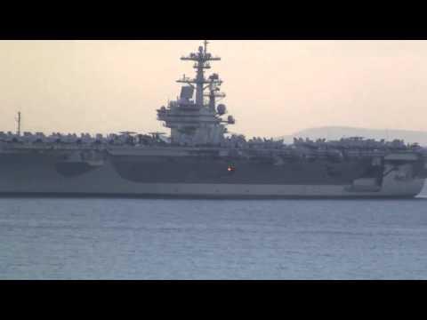 Авианосец Джордж Буш перед выходом из Греции в Черное море USS George HW Bush CVN 77
