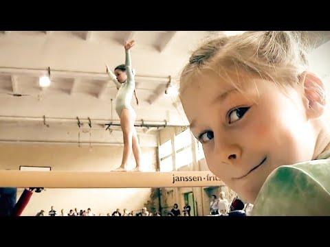 девушка занимаюсь гимнастикой познакомлюсь
