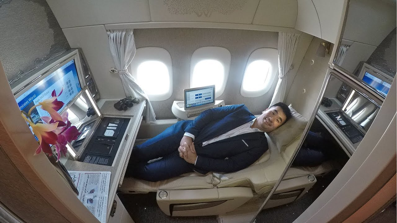 amazing emirates game changing b777 new first class su doovi. Black Bedroom Furniture Sets. Home Design Ideas