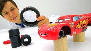 #Машинки Молния #Маквин и Синий Гонщик переобуваются для #ГОНКИ Крутые #ИгрыДляМальчиков