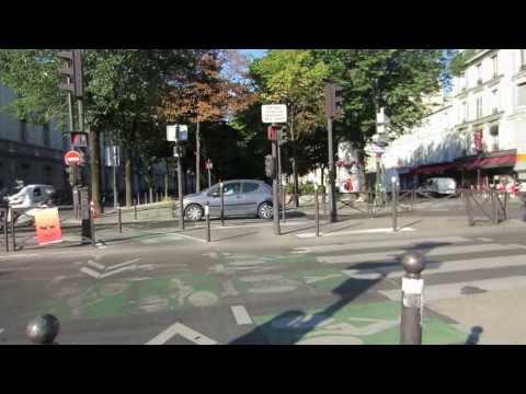 Cycling in Paris :Boulevard des Batignolles _ Rue de Tocqueville _ Rue Ampere
