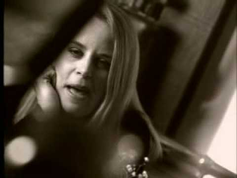 Mary Chapin Carpenter - Passionate Kisses