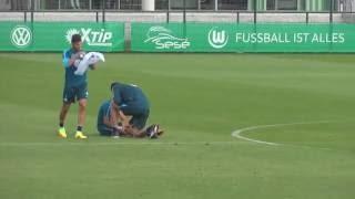 VfL Wolfsburg Training: Brekalo Verletzung nach Draxler-Zusammenstoß Teil 2